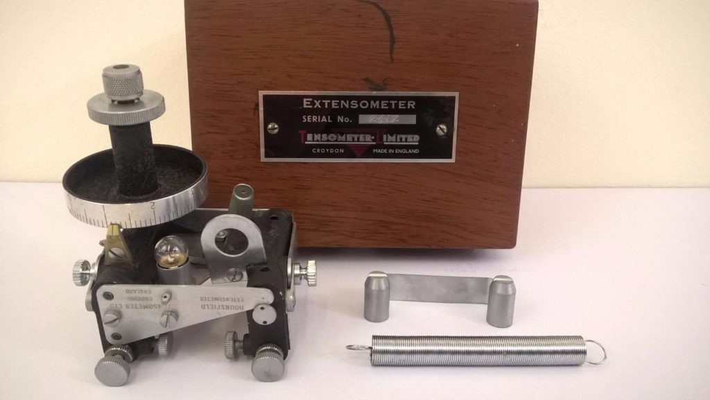 Hounsfield Laser Extensometer